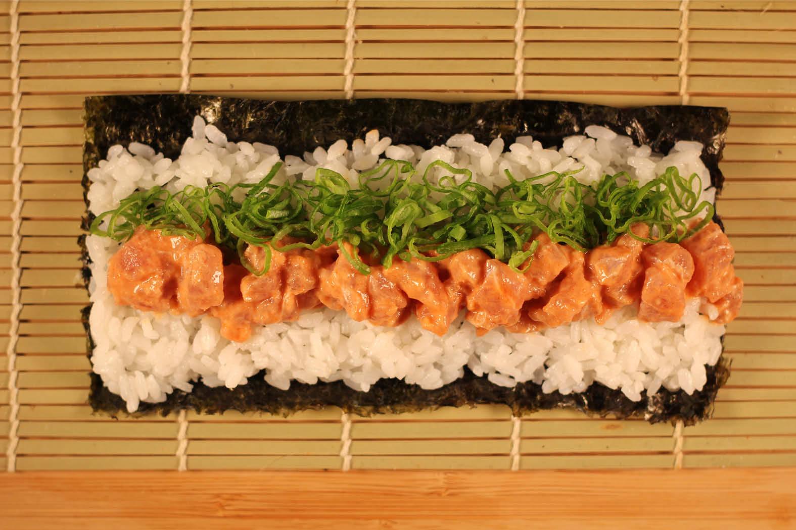 Sushi Tokyo Style - Klassischer Sushikurs - Spicy Salmon Roll