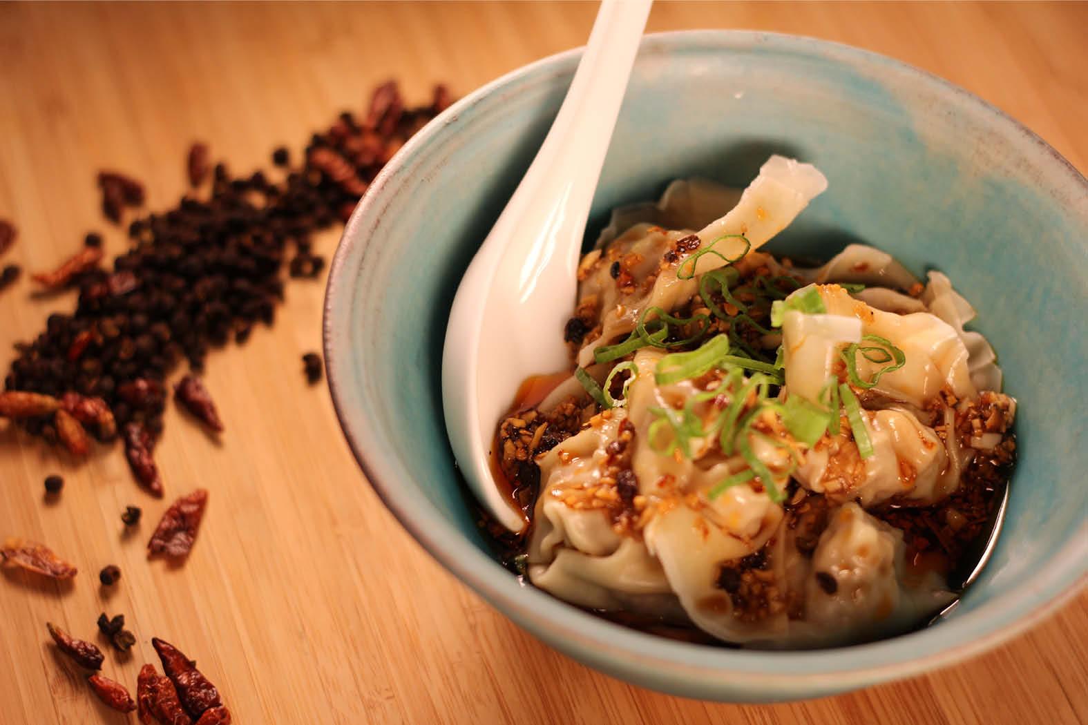 Chao Shou - Gefüllte Wantan mit Szechuan-Chili-Sauce
