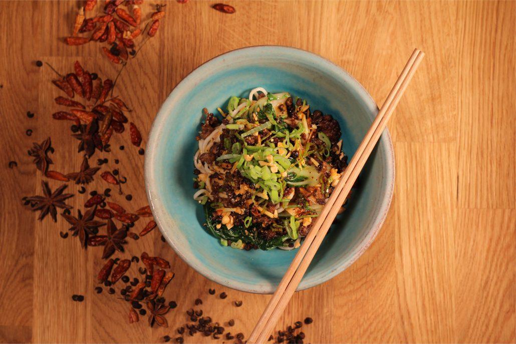 China Kitchen Dan Dan Nudeln
